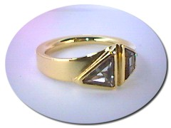 18 ct Gold Two Sapphire Ring.