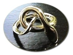 18 ct Gold Adder Ring.