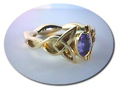 18 ct Gold Celtic Sapphire Ring.