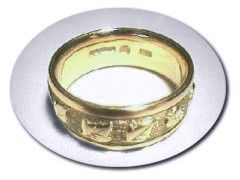 18 ct Gold Ivy Ring.